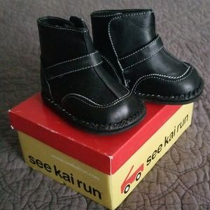 Black leather boots for baby, See Kai Run- size 3